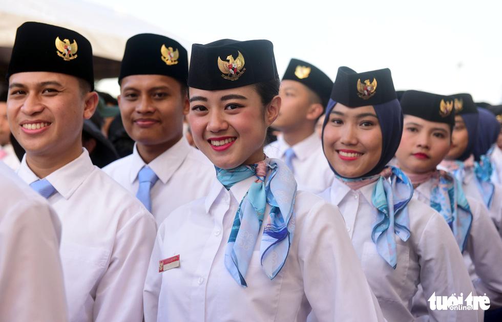 Đại biểu tàu thanh niên Đông Nam Á - Nhật Bản lưu luyến chia tay TP.HCM - Ảnh 1.