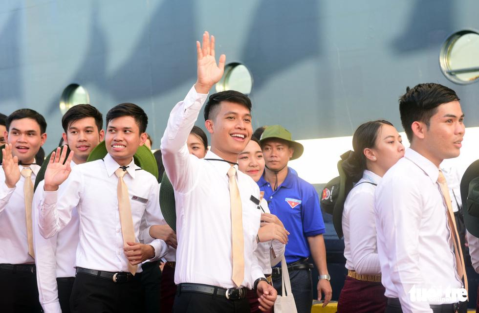 Đại biểu tàu thanh niên Đông Nam Á - Nhật Bản lưu luyến chia tay TP.HCM - Ảnh 15.