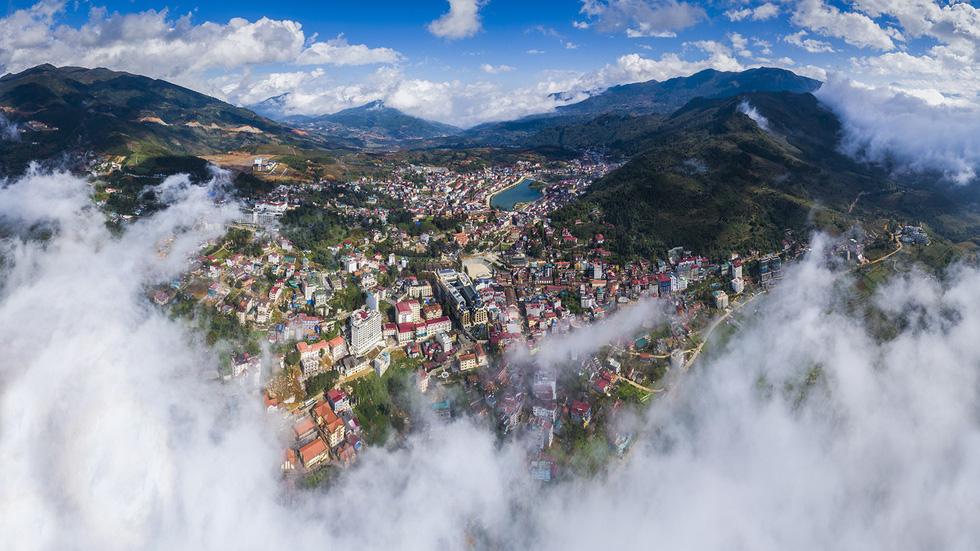Đến núi Hàm Rồng săn mây luồn Sa Pa - Ảnh 2.