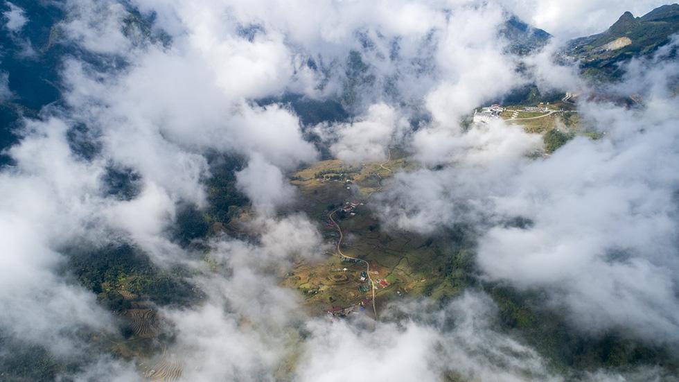 Đến núi Hàm Rồng săn mây luồn Sa Pa - Ảnh 3.
