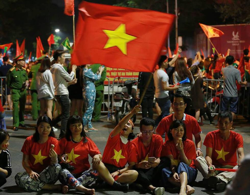 Con thổi kèn ở Sài Gòn, mấy chú ở Mỹ Đình nghe được không? - Ảnh 5.