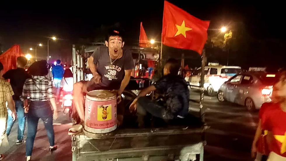 Con thổi kèn ở Sài Gòn, mấy chú ở Mỹ Đình nghe được không? - Ảnh 22.