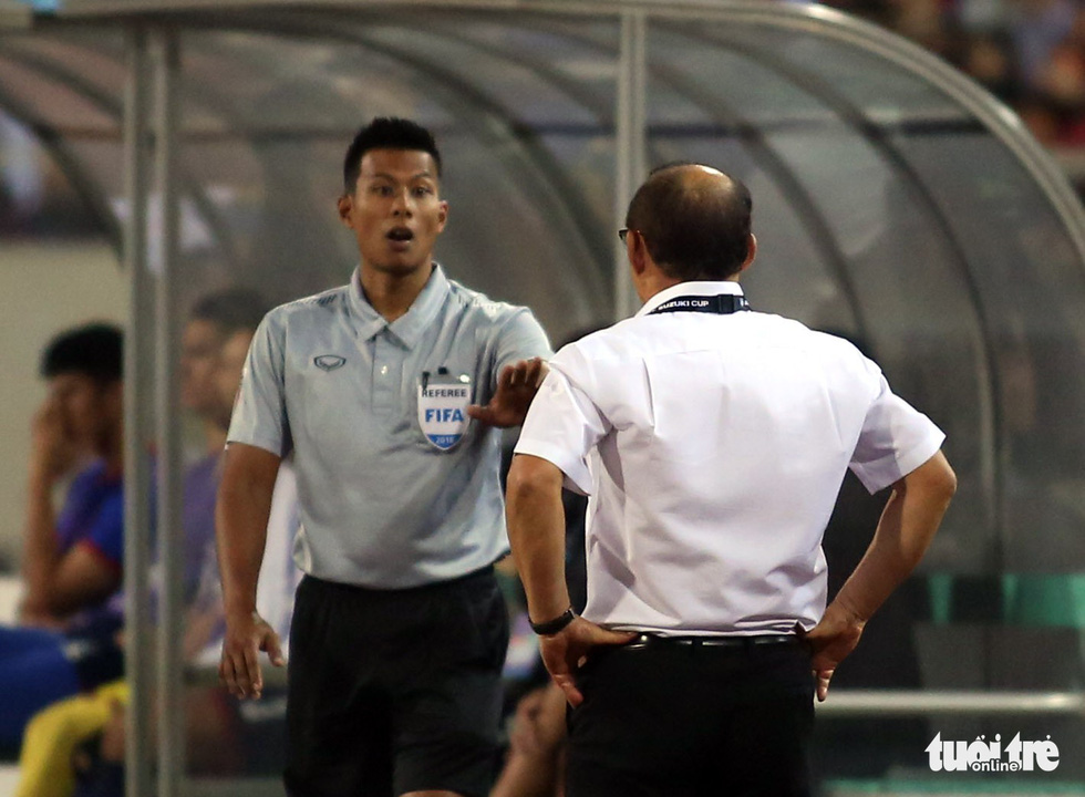 Ông Park phản ứng với trọng tài để bảo vệ các học trò - Ảnh 4.
