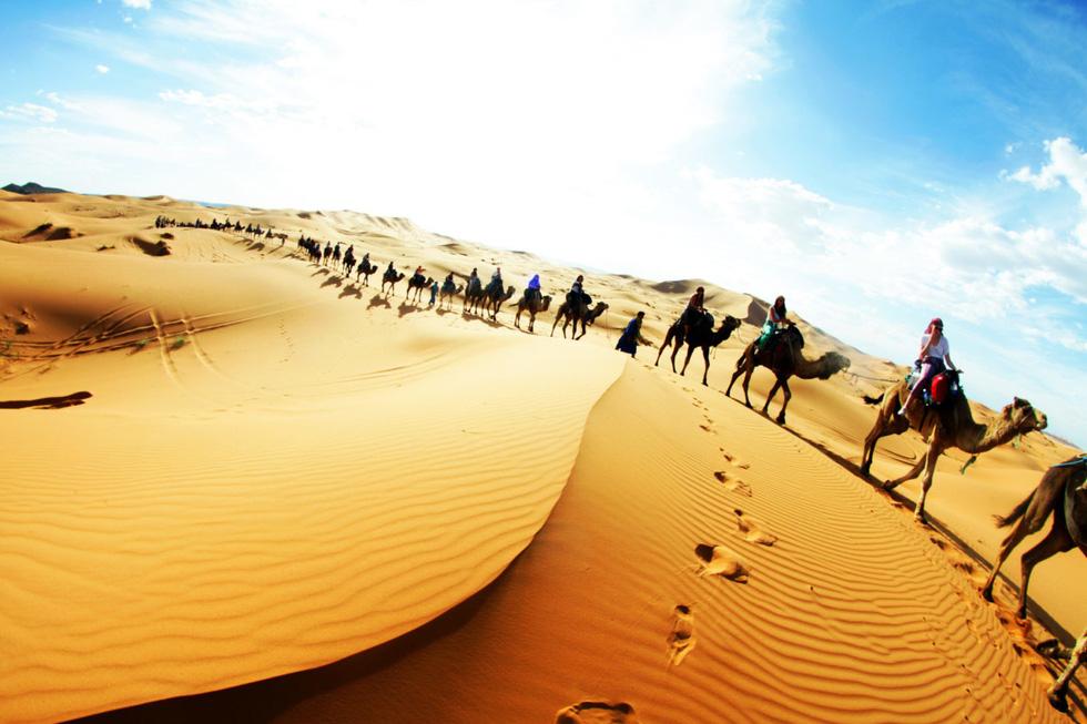 8 sa mạc đẹp như tranh vẽ - Ảnh 7.