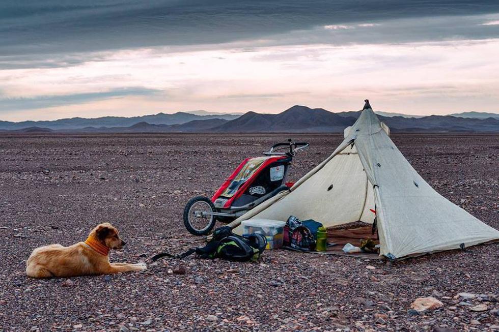 Chàng trai dắt chó đi bộ vòng quanh thế giới - Ảnh 7.