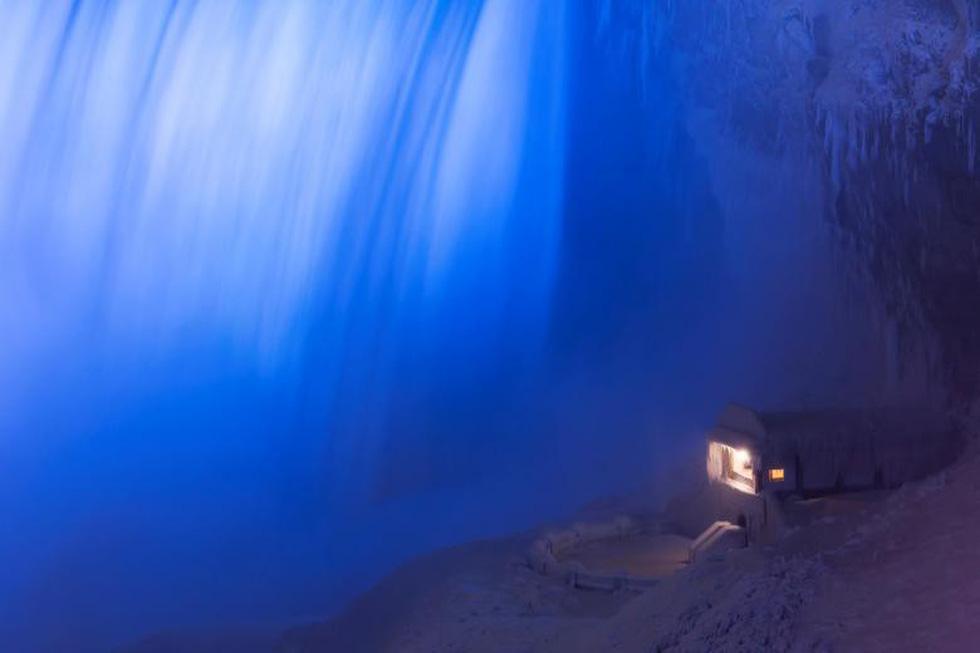 Du khách ngắm thác Niagara trong băng giá - Ảnh 3.