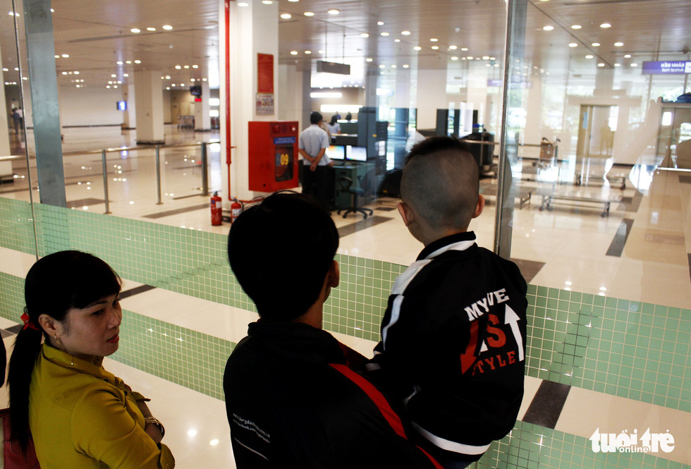 Đón dâu miền Tây từ Đài Loan về ăn tết ở sân bay Cần Thơ - Ảnh 4.