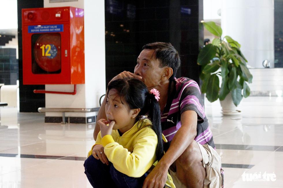 Đón dâu miền Tây từ Đài Loan về ăn tết ở sân bay Cần Thơ - Ảnh 7.
