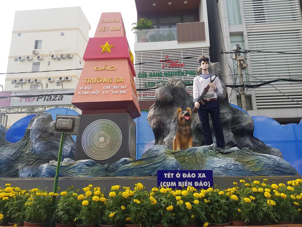 Xem chó biểu diễn đờn ca tài tử ở đường hoa Cần Thơ - Ảnh 19.