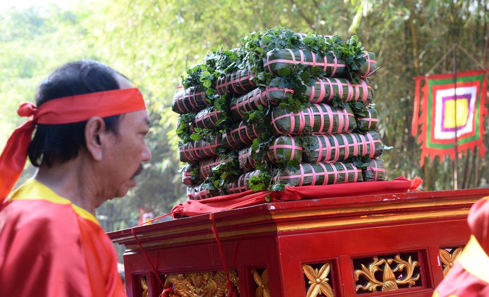 Dâng cúng bánh tét lên Quốc tổ Hùng Vương - Ảnh 7.