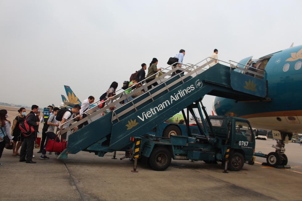 Tăng hàng trăm chuyến bay dịp Tết dương lịch - Ảnh 1.