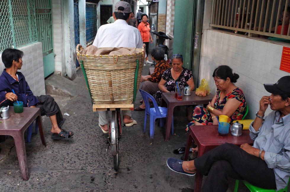 Những ngày cận Tết ở khu giải toả ven kênh rạch Sài Gòn - Ảnh 11.