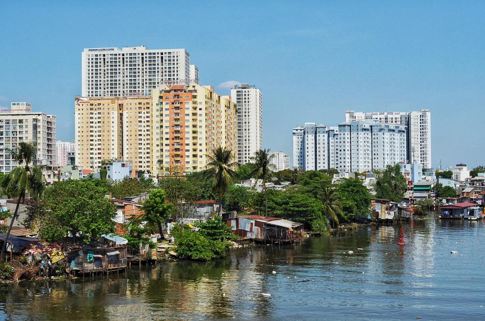 Những ngày cận Tết ở khu giải toả ven kênh rạch Sài Gòn - Ảnh 13.