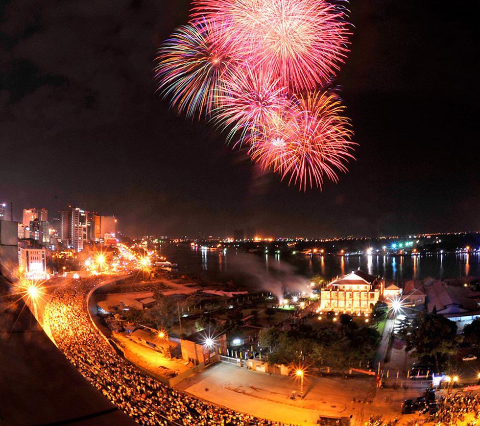 Bạn còn nhớ về pháo hoa ở Sài Gòn 20 năm qua? - Ảnh 13.