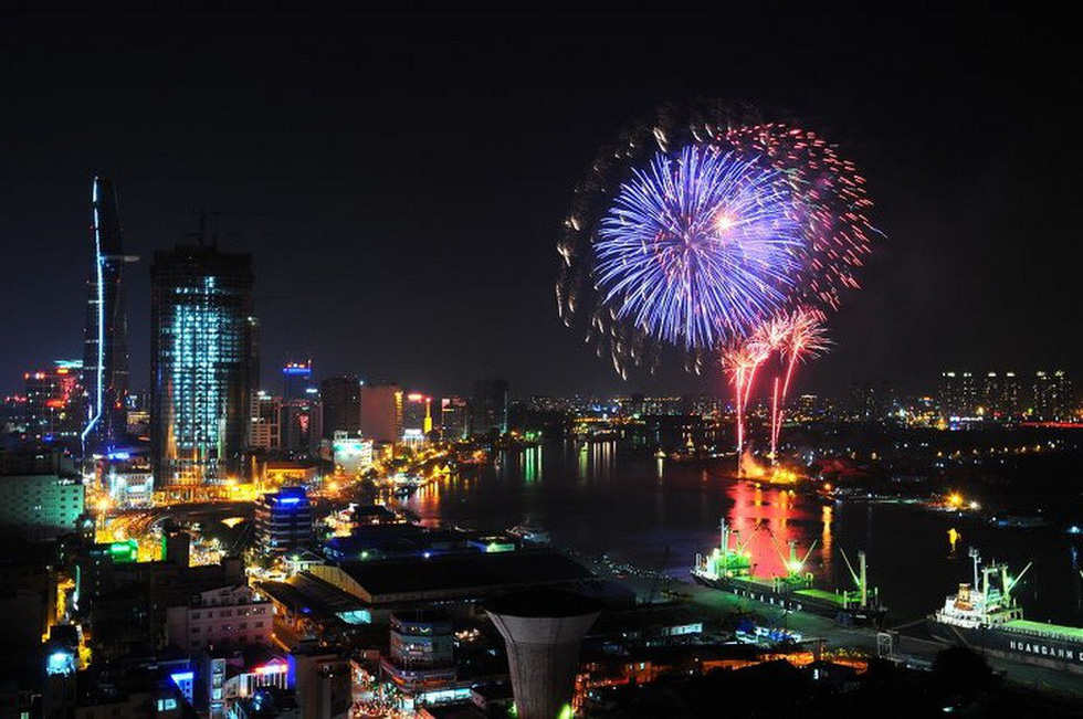 Bạn còn nhớ về pháo hoa ở Sài Gòn 20 năm qua? - Ảnh 16.