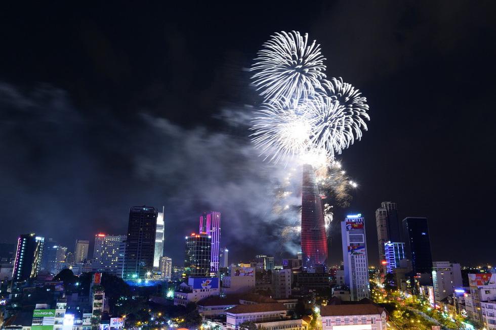 Bạn còn nhớ về pháo hoa ở Sài Gòn 20 năm qua? - Ảnh 20.
