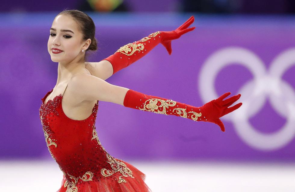 Bông hồng nước Nga 15 tuổi chinh phục sân băng Olympic 2018 - Ảnh 1.