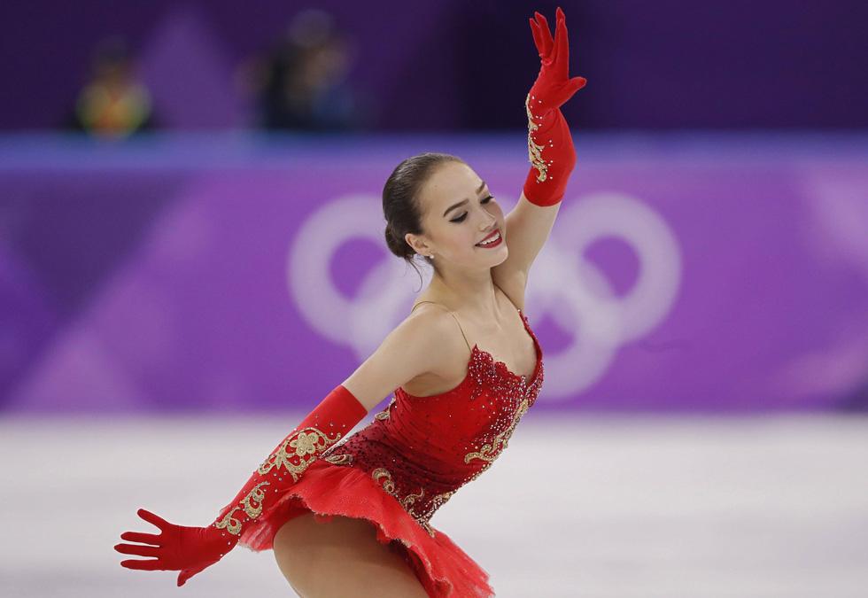 Bông hồng nước Nga 15 tuổi chinh phục sân băng Olympic 2018 - Ảnh 4.