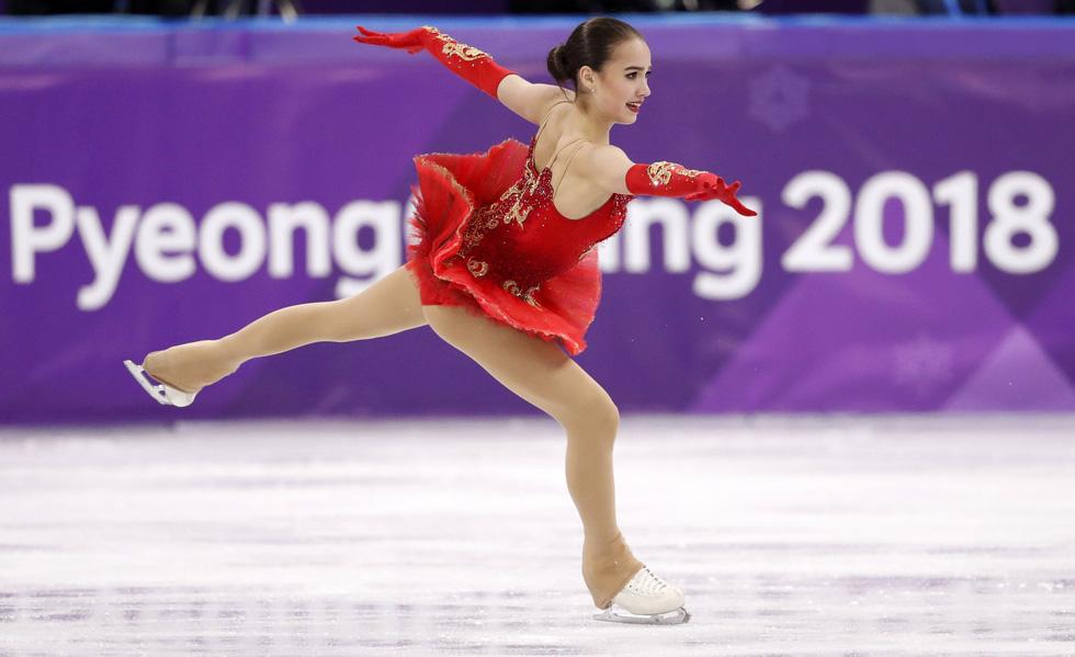 Bông hồng nước Nga 15 tuổi chinh phục sân băng Olympic 2018 - Ảnh 7.