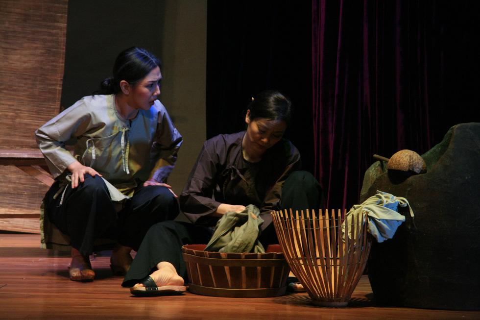 Kịch Tết: Giấc mộng vàng son và một Hồng Ánh khác - Ảnh 7.