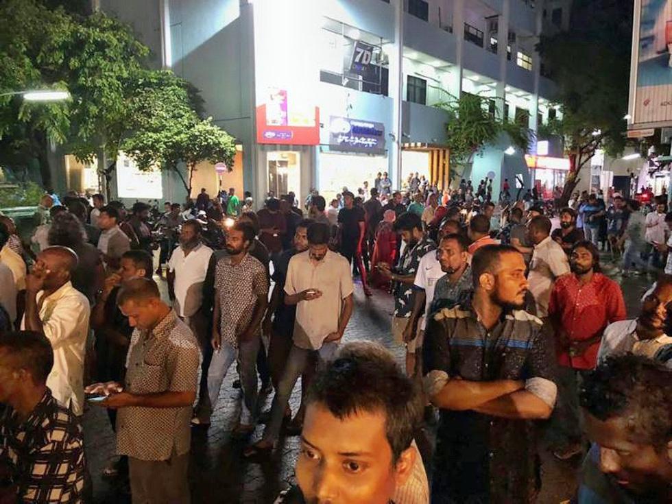 Hỗn loạn ở thiên đường du lịch Maldives - Ảnh 4.