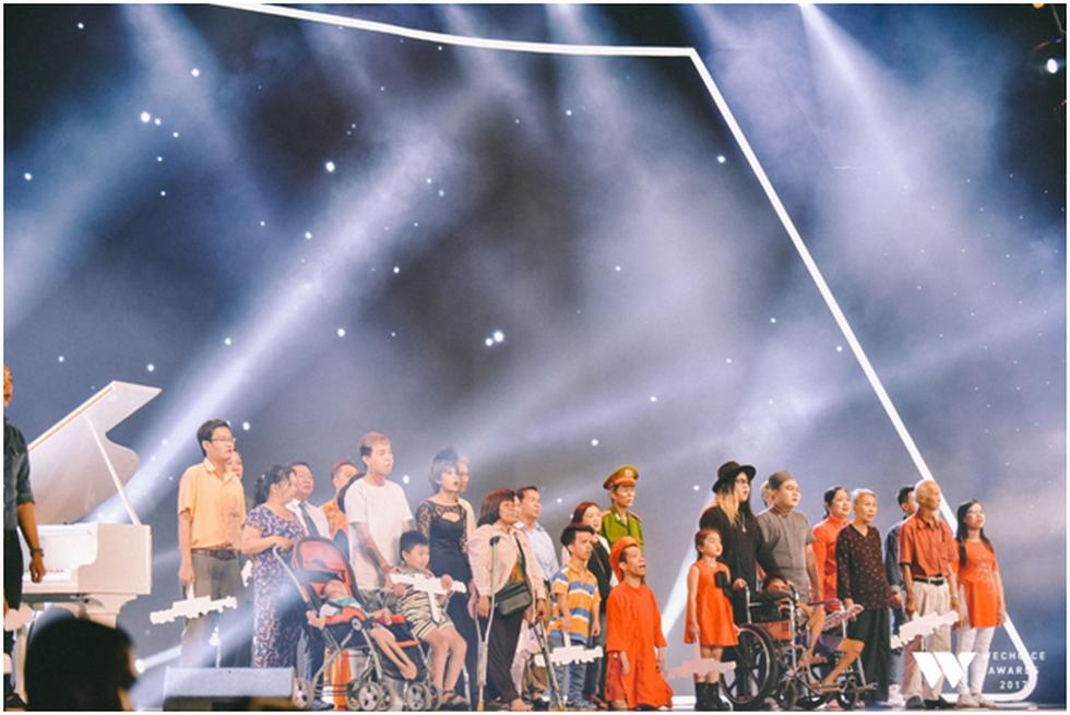 Bé Bôm, Sơn Tùng M-TP và tiết mục đặc sắc ở Gala WeChoice Awards - Ảnh 3.