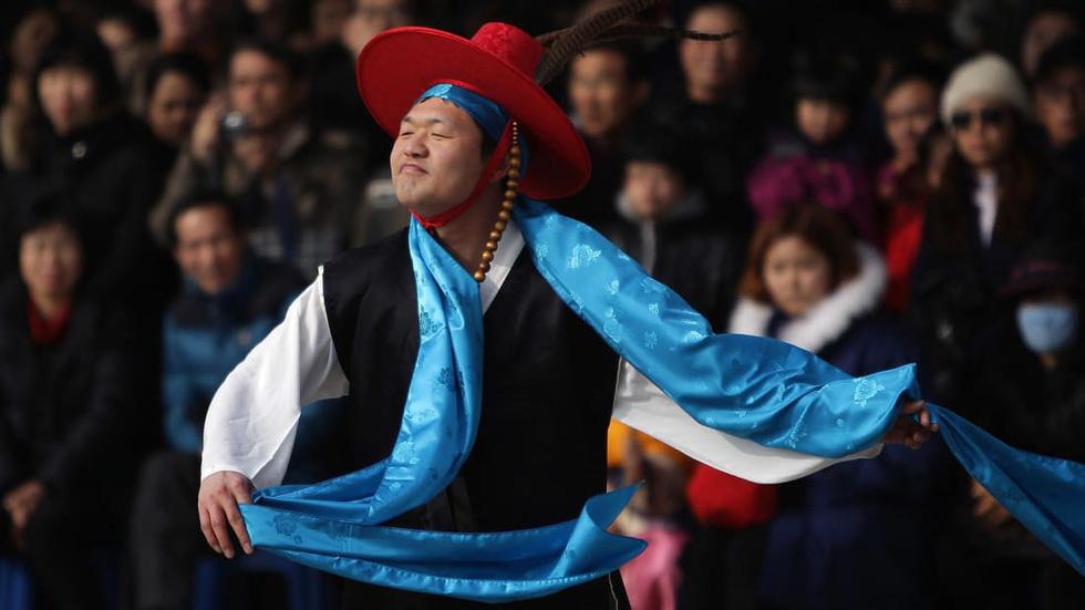 CNN chọn chợ hoa Quảng Bá, Hà Nội trong 14 điểm chơi Tết nổi bật - Ảnh 6.