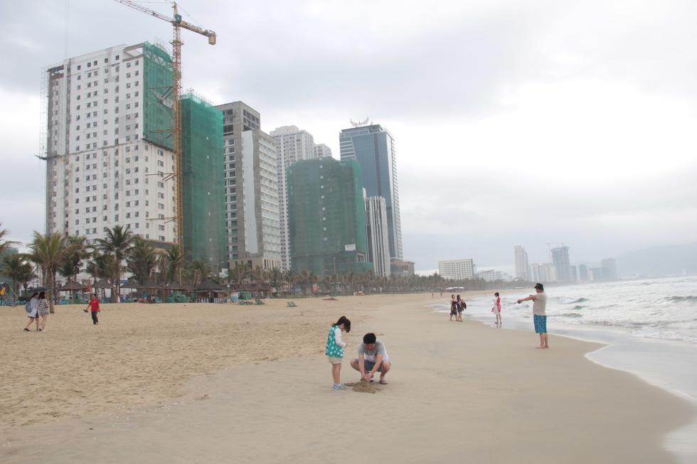 Chuyện gì đang xảy ra ở bãi biển Đà Nẵng? - Ảnh 5.