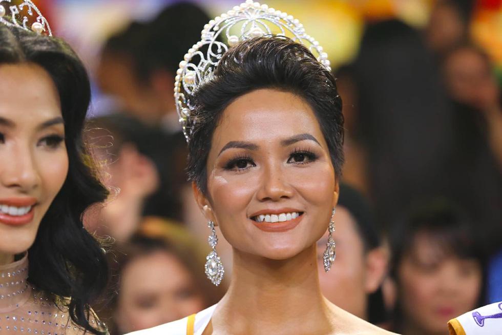 Ngắm nhan sắc tân hoa hậu HHen Niê qua các vòng thi - Ảnh 3.