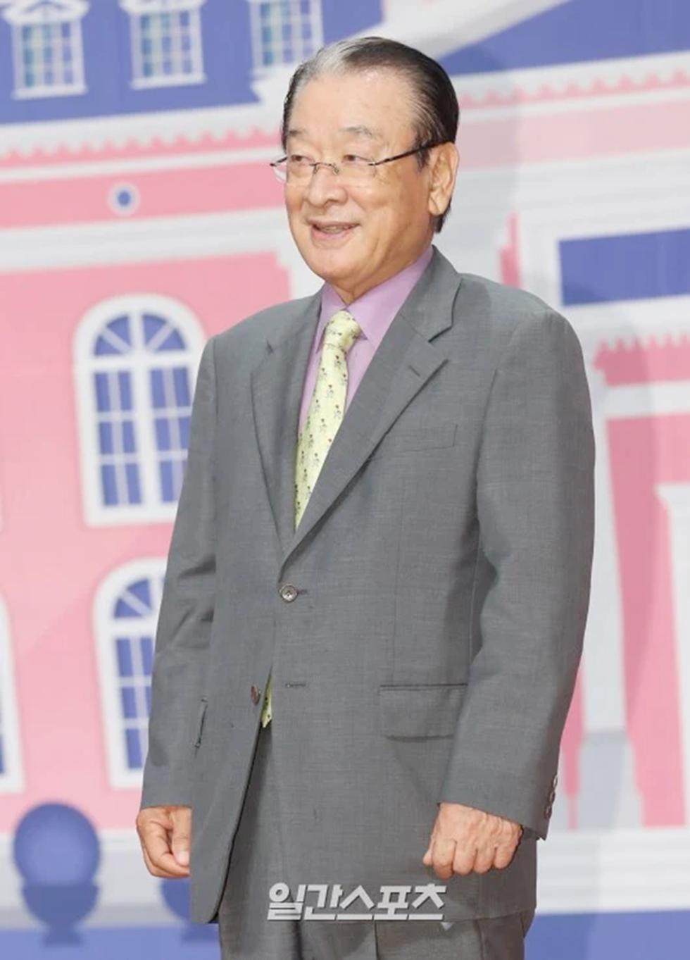 Vì nạn nhân bị lạm dụng tình dục, sao Hàn ủng hộ #MeToo - Ảnh 4.
