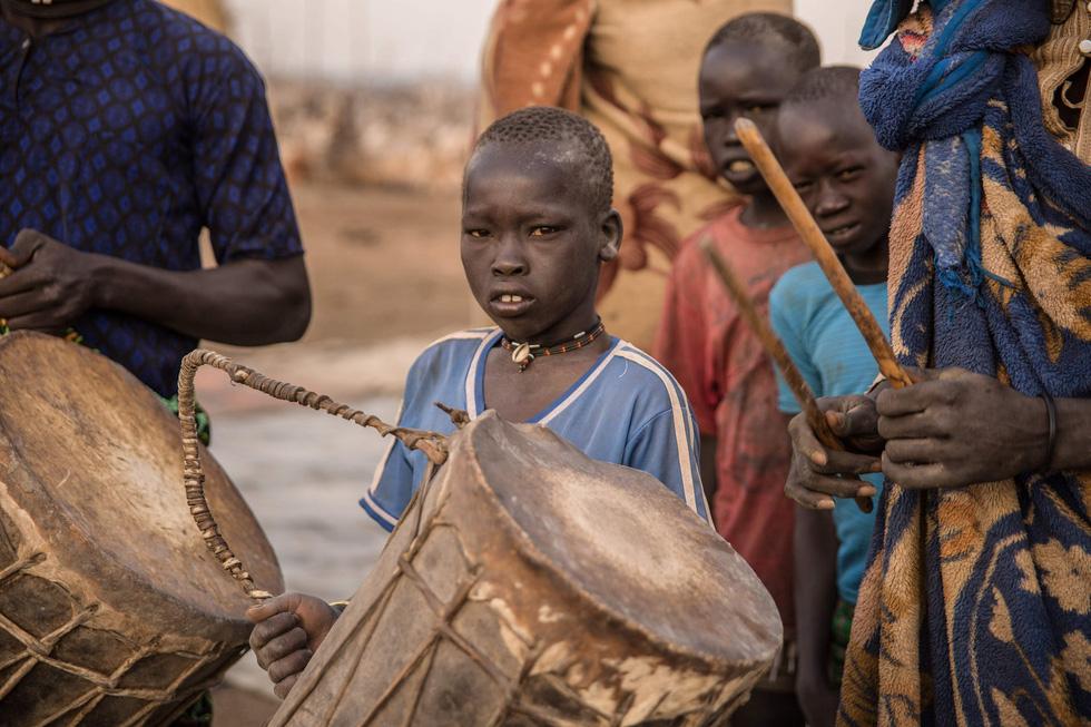 Trải nghiệm cuộc sống chăn bò của người Dinka ở Nam Sudan - Ảnh 11.