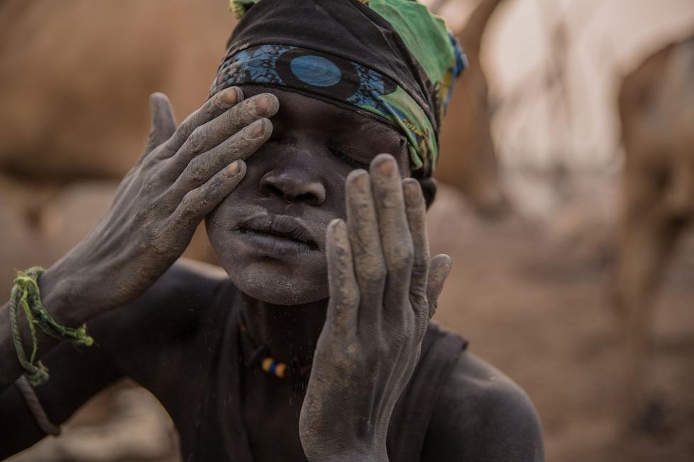 Trải nghiệm cuộc sống chăn bò của người Dinka ở Nam Sudan - Ảnh 5.