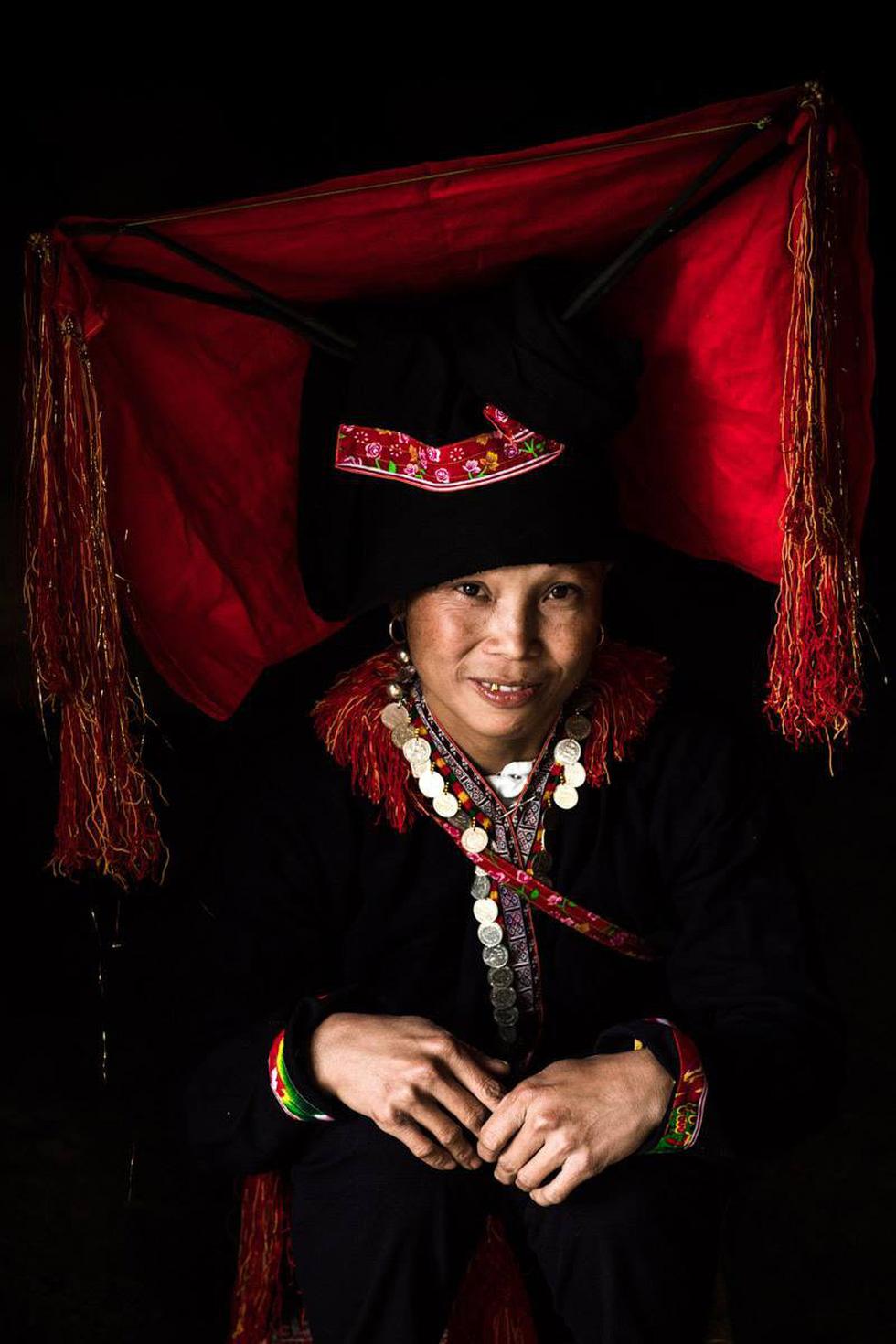 Nhiếp ảnh gia Pháp được vinh danh khi tôn vinh văn hóa Việt - Ảnh 12.