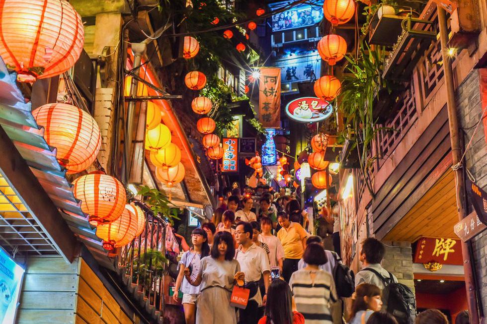 8 con phố đẹp và lãng mạn trên thế giới - Ảnh 2.