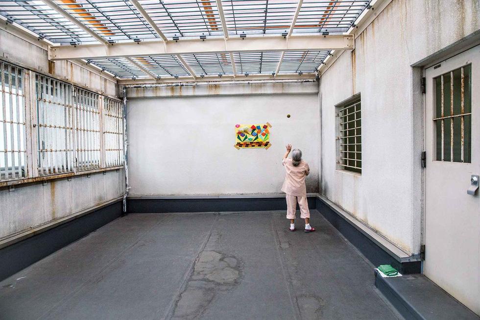 Người già Nhật Bản chọn nhà tù làm nơi an cư - Ảnh 15.