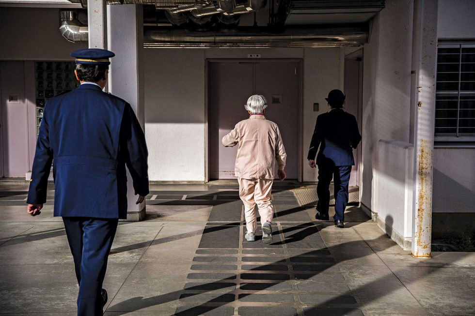 Người già Nhật Bản chọn nhà tù làm nơi an cư - Ảnh 14.