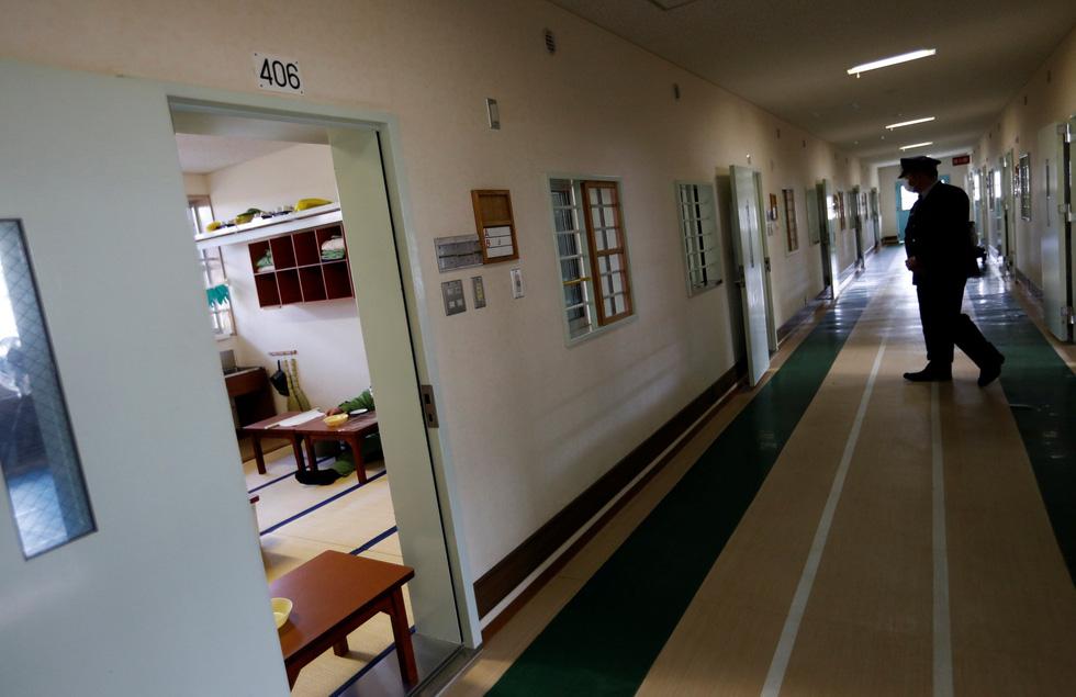 Người già Nhật Bản chọn nhà tù làm nơi an cư - Ảnh 7.