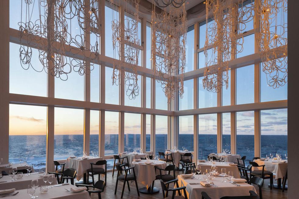 10 nhà hàng view đẹp đến mức khách quên cả ăn - Ảnh 1.