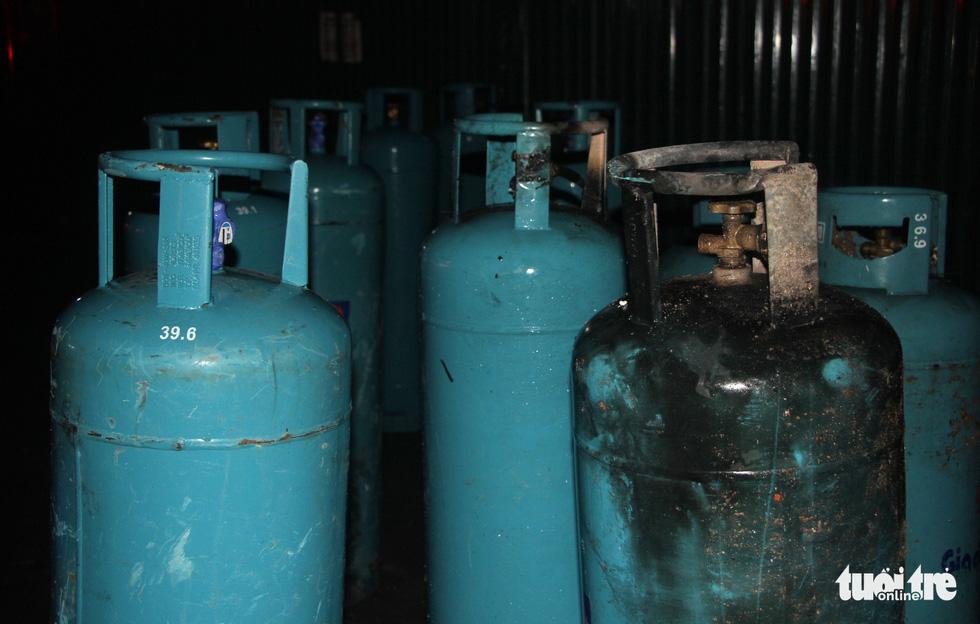 Quán nướng tan hoang sau vụ nổ gas như bom trong đêm - Ảnh 6.