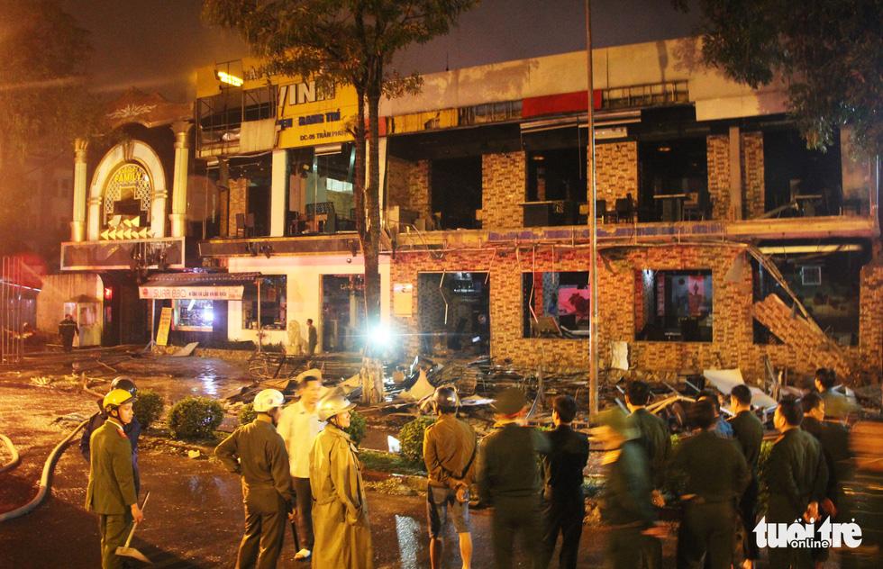 Quán nướng tan hoang sau vụ nổ gas như bom trong đêm - Ảnh 2.
