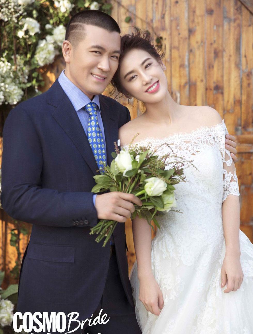Huỳnh Thánh Y và chiếc áo cưới 10 năm đợi chờ - Ảnh 2.