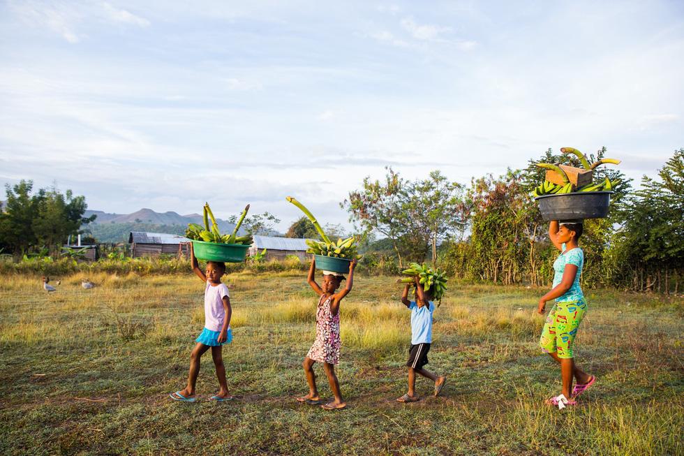 Những hình ảnh sống động từ Haiti - Ảnh 14.