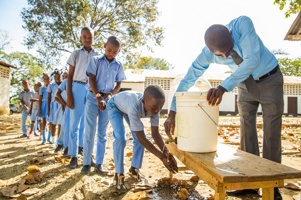 Những hình ảnh sống động từ Haiti - Ảnh 7.