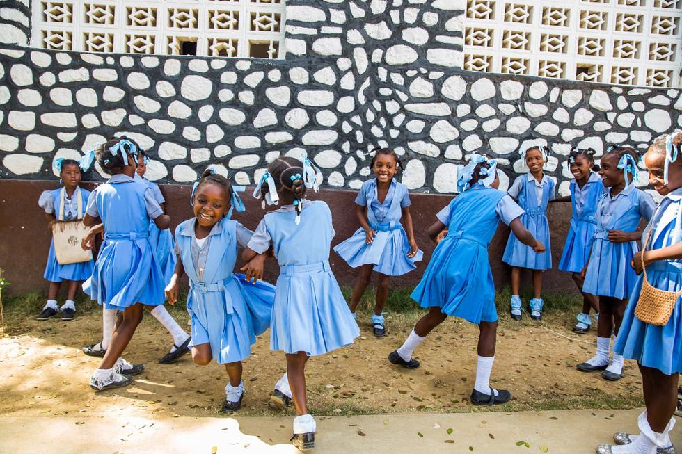 Những hình ảnh sống động từ Haiti - Ảnh 8.