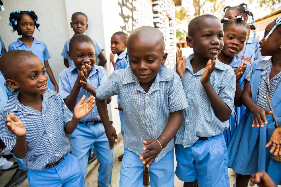 Những hình ảnh sống động từ Haiti - Ảnh 1.