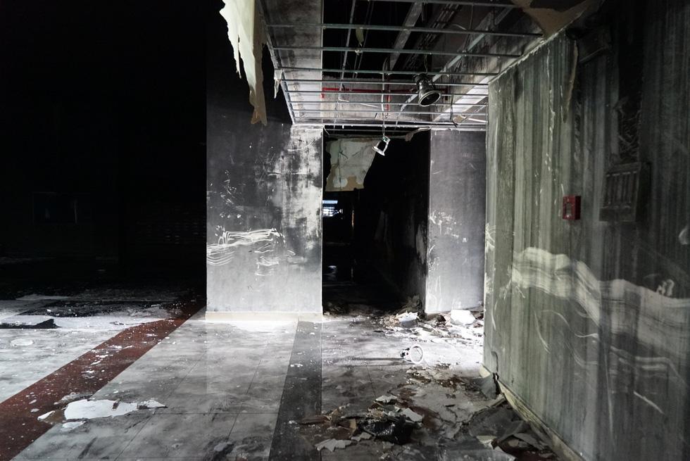 Hiện trường vụ cháy thảm khốc ở chung cư Carina - Ảnh 5.