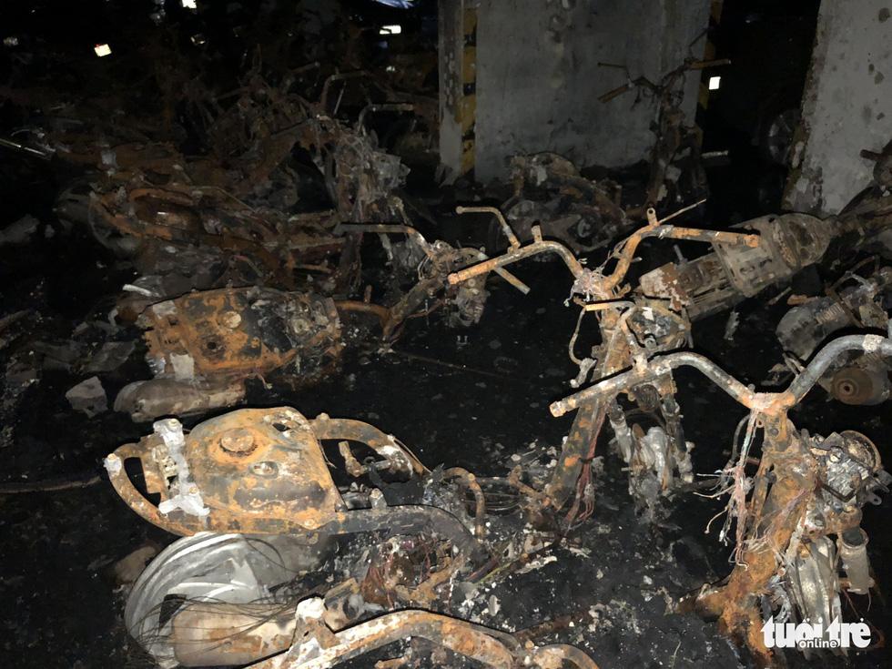 Hiện trường vụ cháy thảm khốc ở chung cư Carina - Ảnh 22.