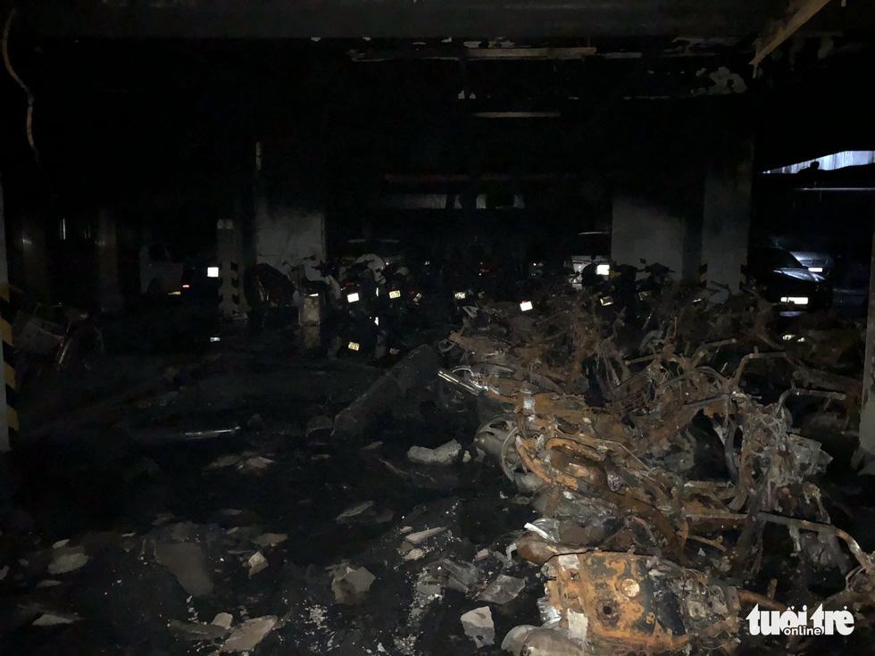 Hiện trường vụ cháy thảm khốc ở chung cư Carina - Ảnh 21.