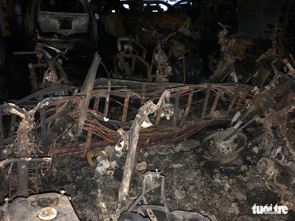 Hiện trường vụ cháy thảm khốc ở chung cư Carina - Ảnh 17.