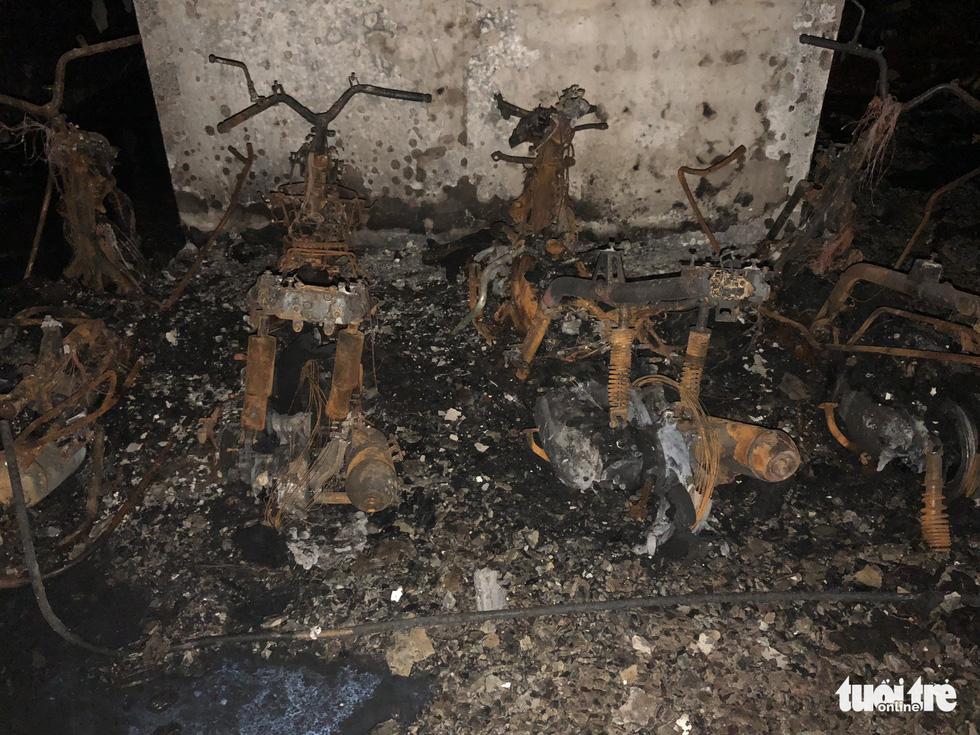 Hiện trường vụ cháy thảm khốc ở chung cư Carina - Ảnh 14.